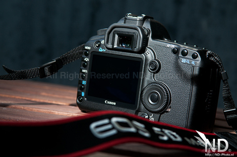 Canon EOS 5D Mark II back view