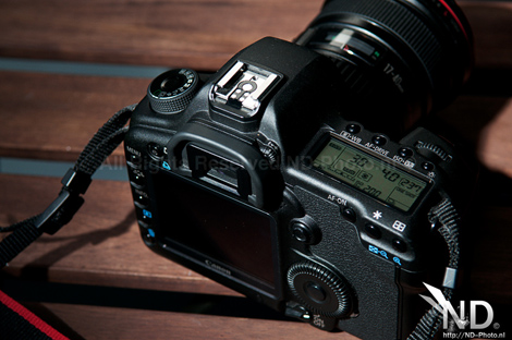 Canon EOS 5D Mark II top view 1